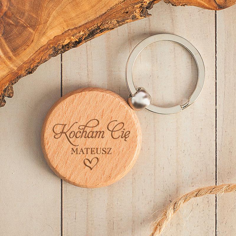 Zdjęcie slidera - BRELOK Okrągły Drewniany Kocham Cię