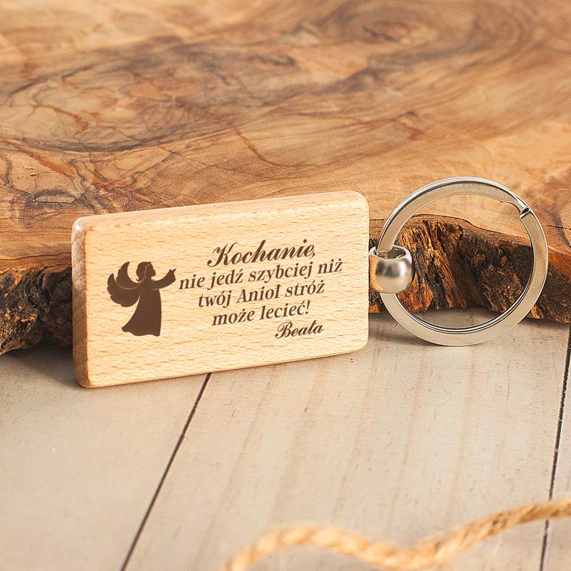 Zdjęcie w galerii - BRELOK Prostokątny Drewniany Anioł Stróż