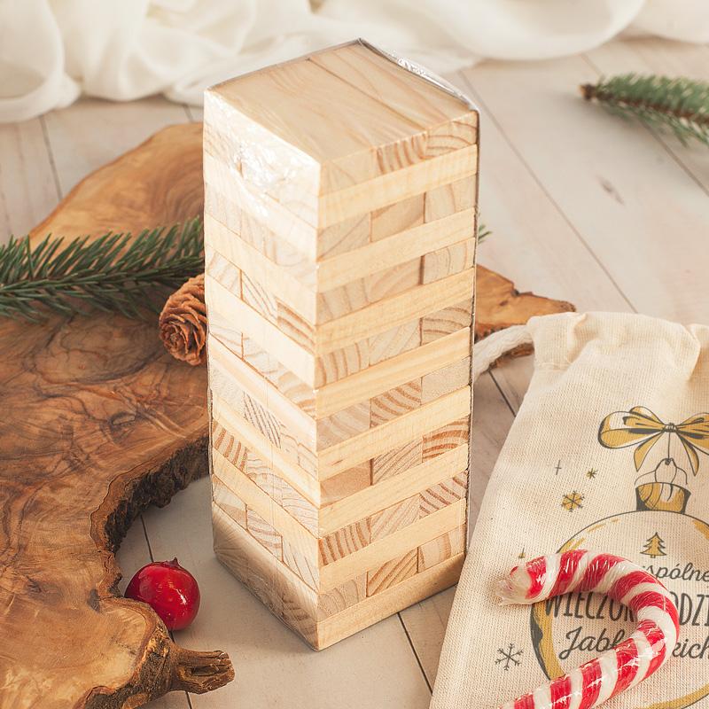 Jenga prezent dla rodziny w personalizowanym woreczku z nazwiskiem rodziny.