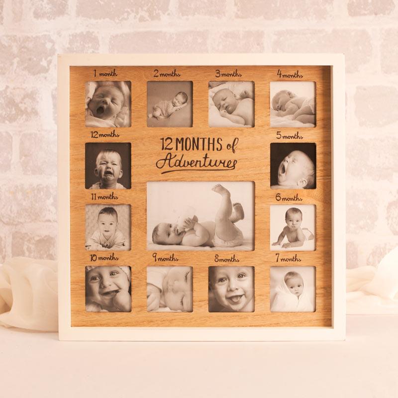 Ramka na 13 zdjęć z pierwszych miesięcy życia dziecka z podpisanymi miesiącami.