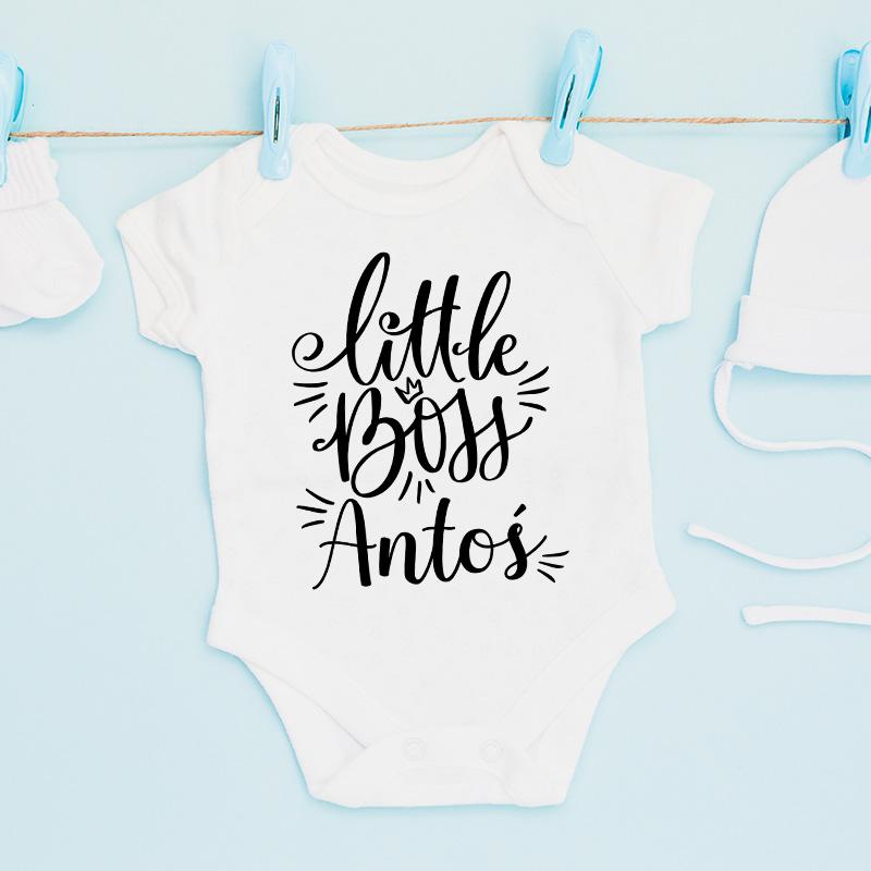 Personalizowane body z imieniem dziecka to wyjątkowe ubranko dla chłopca. Body z zabawnym napisem sprawdzi się również jako pamiątka z dzieciństwa.