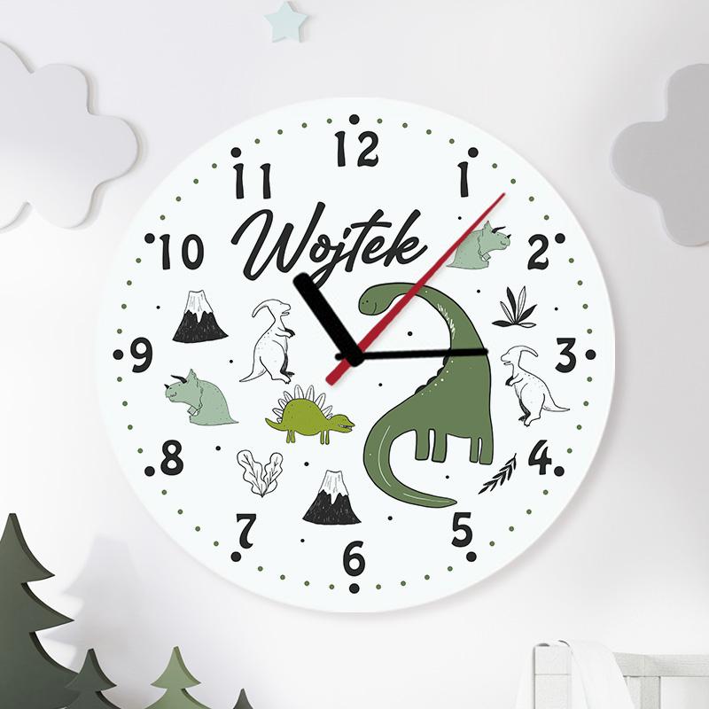 Szklany zegar do pokoju dziecka z grafiką z dinozaurami oraz imieniem.