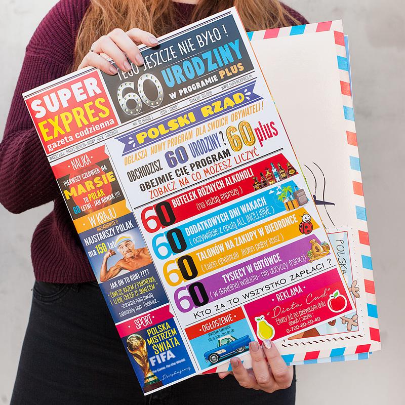 Kartka na 60 urodziny z kopertą i zabawną okładką oraz życzeniami w środku.