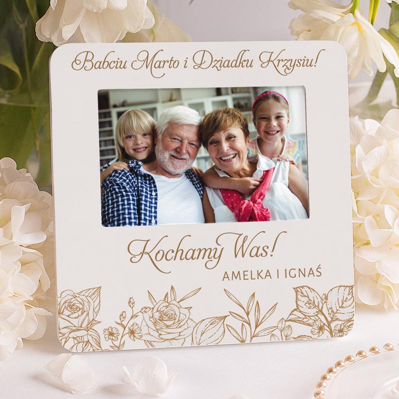 Ramka na pamiątkowe zdjęcie prezent od wnuków dla dziadków z personalizowaną dedykacją.