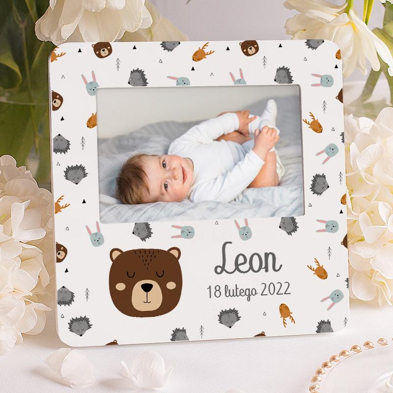 Ramka foto dla dziecka w skandynawskim stylu. Nowoczesna ozdoba do dziecięcego pokoju z motywem zwierzątek.
