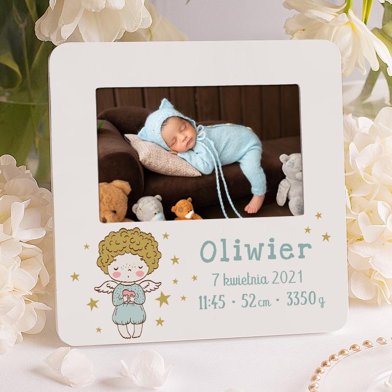 Ramka foto na zdjęcie chłopca z grafiką aniołka. Prezent dla maluszka na wiele okazji z metryczką urodzenia. prezent z okazji narodzin