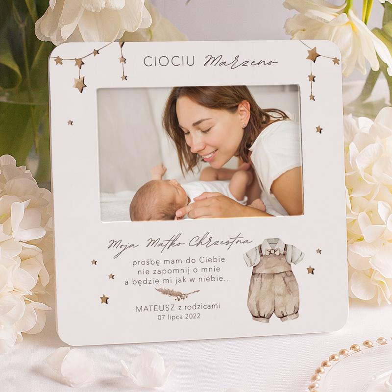 Ramka na zdjęcie z personalizowanym napisem w formie podziękowania dla matki chrzestnej od chłopca.