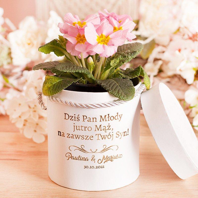 Pudełko na kwiaty dla mamy od Pana Młodego. Prezent ślubny. Grawerowany nadruk.
