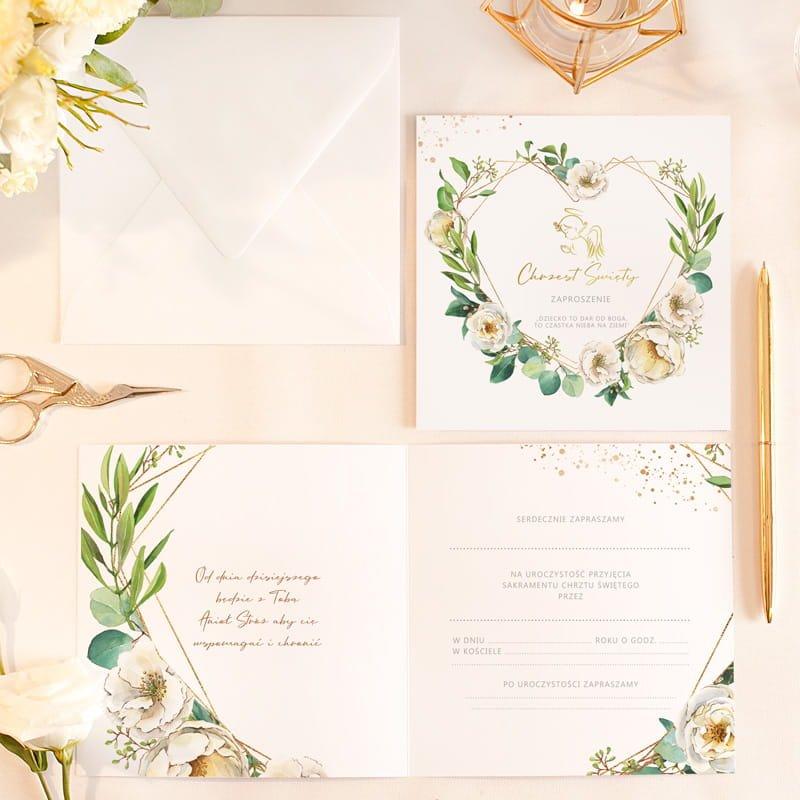 Nowoczesne zaproszenia na Chrzciny dziecka z pięknym wzorem graficznym. W środku znajduje się tekst do samodzielnego wypisania.
