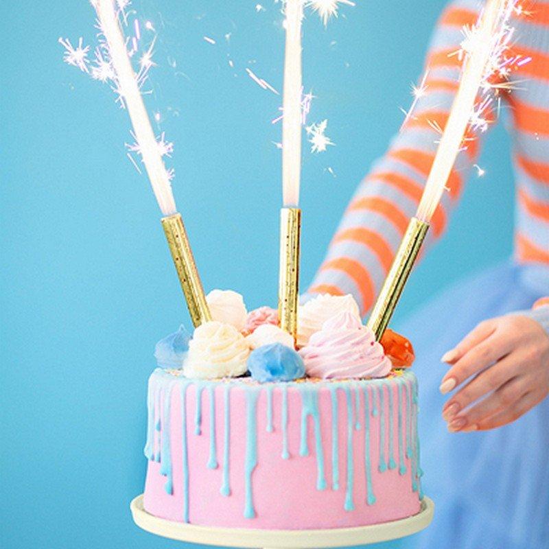 Race tortowe to modna dekoracja tortu. Idealny dodatek na urodziny, wesele i inne okazje!