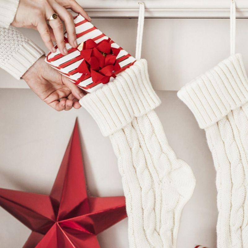 Zdjęcie w galerii - ZESTAW welurowych dodatków do dekoracji prezentów świątecznych