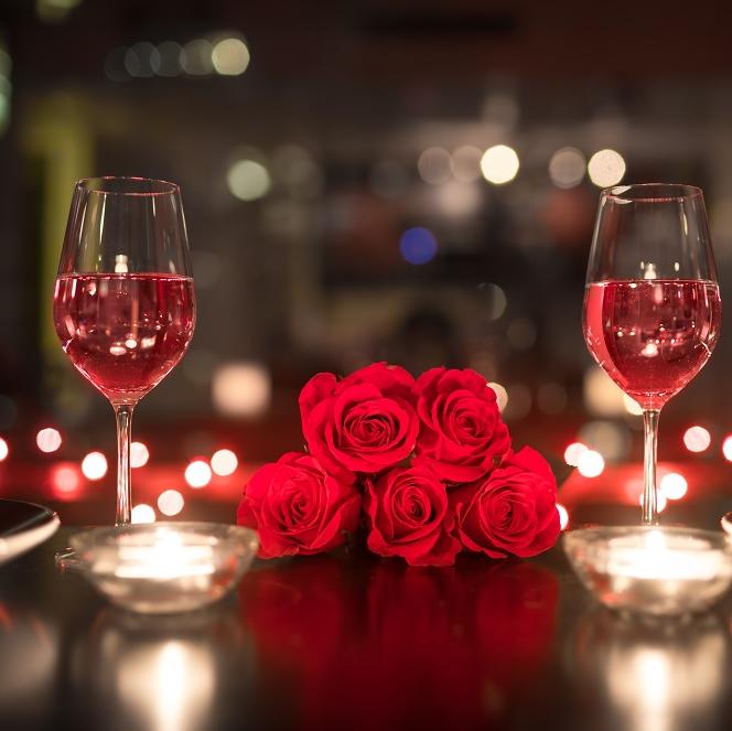 Zdjęcie posta - Organizacja kolacji walentynkowej przy świecach. Zadbaj o temperaturę w Twoim związku