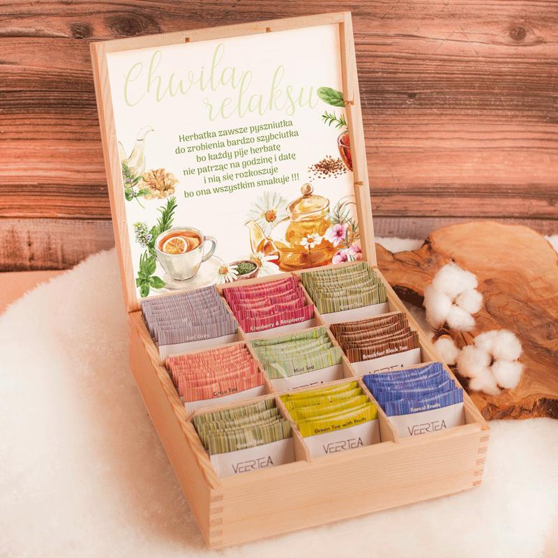 Herbaty smakowe w drewnianej szkatułce